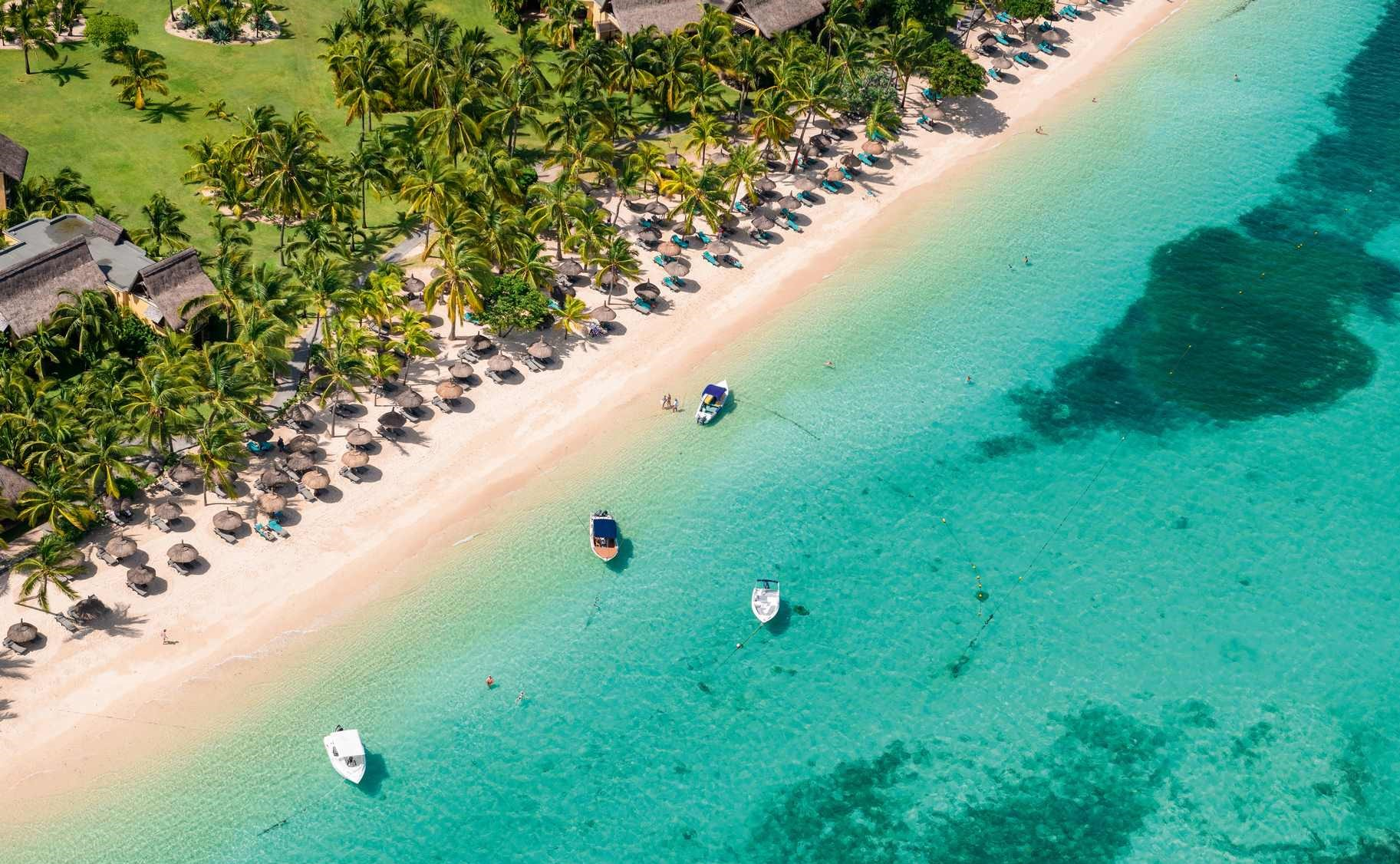 Salon Taupe Et Turquoise le paradis beachcomber golf resort & spa